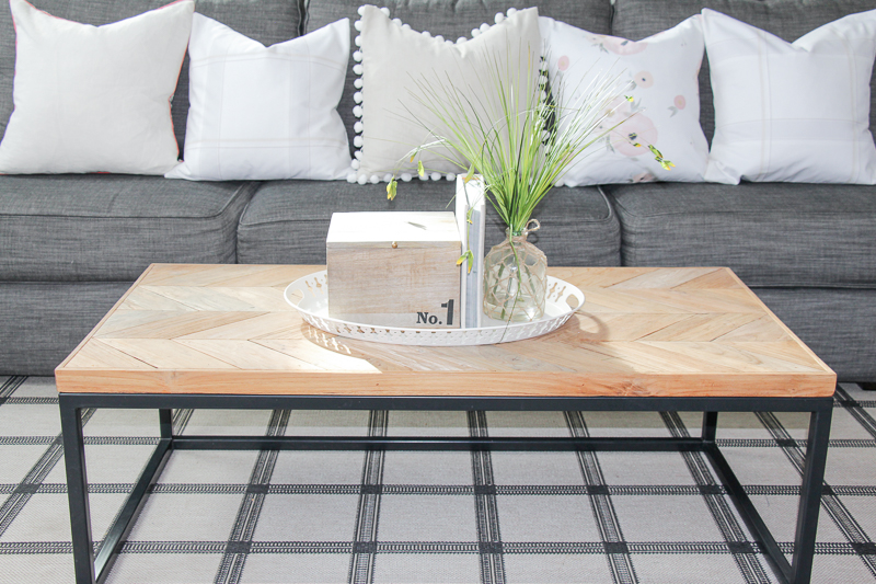 Modern farmhouse living room renovation the greenspring home for Modern farmhouse coffee table