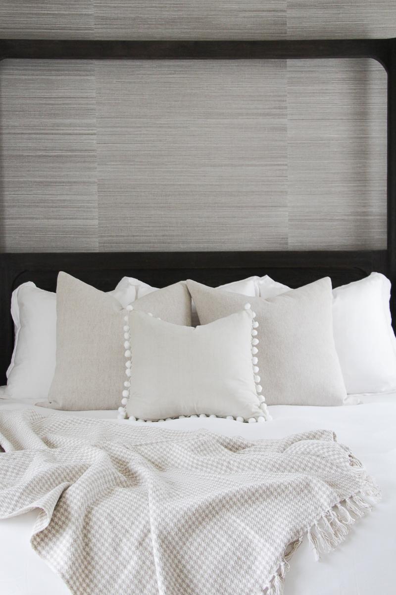 Houndstooth Throw | Spring Bedding Makeover Ideas | Neutral Bedding Ideas | Spring Bedding Refresh Ideas | Pom Pom Throw Pillow