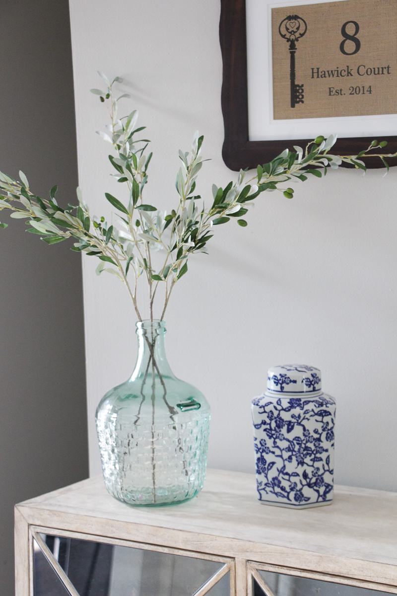 Console Table Styling Tips | Mirrored Console Table | Entryway Decor Ideas