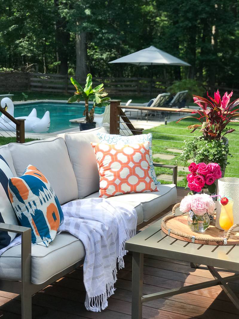 Come see this bloggers Summer Outdoor Living Tour that includes deck decorating ideas for summer!