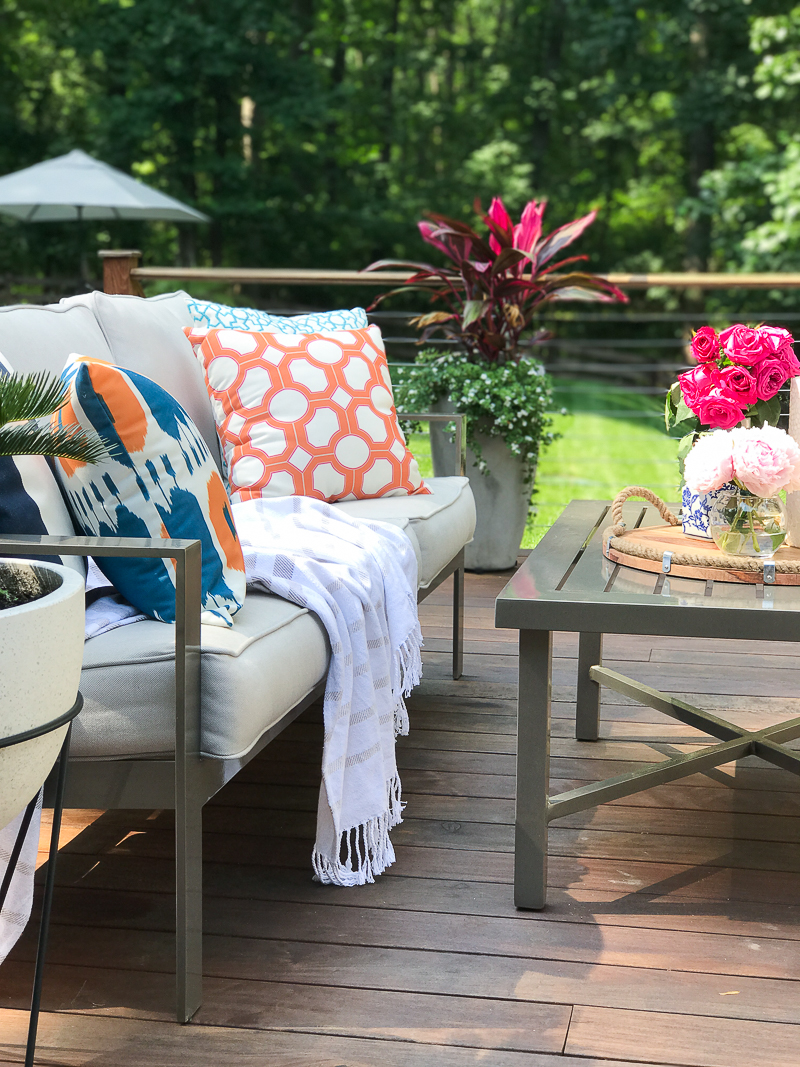 Outdoor decorating ideas for summer - Come See A Cozy Outdoor Living Space On This Bloggers Summer Outdoor Living Tour