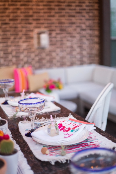 Come see 7 gorgeous bloggers outdoor living spaces including dining tablescapes, deck decor ideas, and patio decorating ideas!