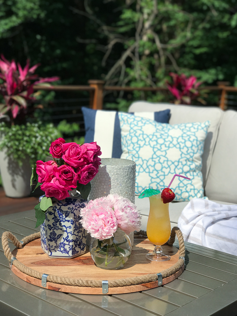 Come get more outdoor deck decorating ideas on this bloggers Summer Outdoor Living Tour!