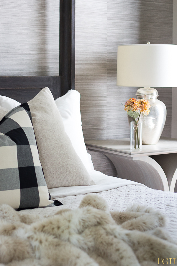 Cozy bedding neutral. Fall bedroom decor cozy. Cozy bedding ideas. Buffalo check decor.