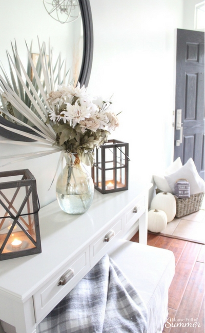 Coastal Fall Decor. Fall Entryway Decor Ideas.