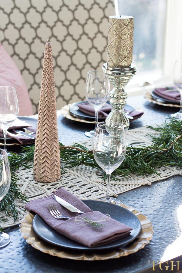French Country Thanksgiving Table. Simple and Elegant Thanksgiving Table.