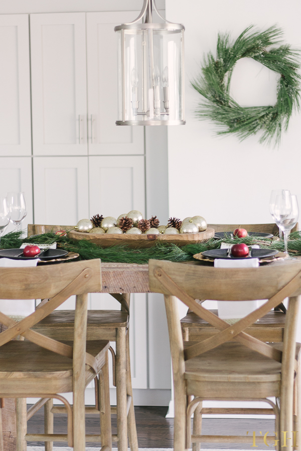 Simple decorating tips for christmas the greenspring home - Simple decorating secrets for your home revealed ...