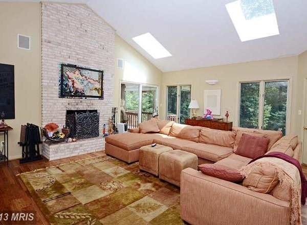 Open Concept Living Room with Vaulted Ceilings